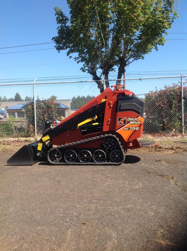 Where to find Utility Loader SAE 850  36 Narrow in Portland